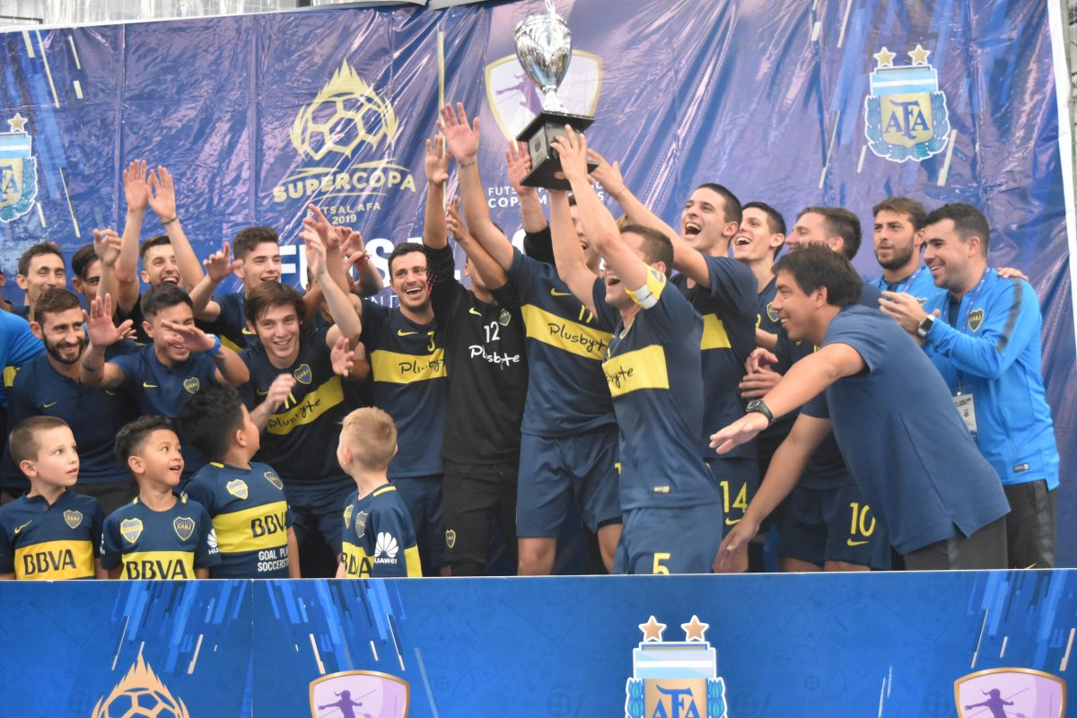 Boca festejó en la Supercopa