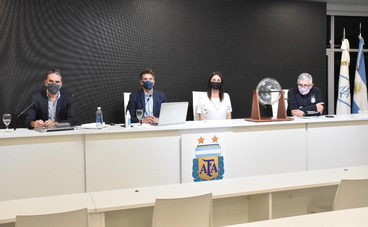 Se realizó el sorteo de árbitros para la cuarta fecha del Torneo Socios.com y las próximas del Ascenso