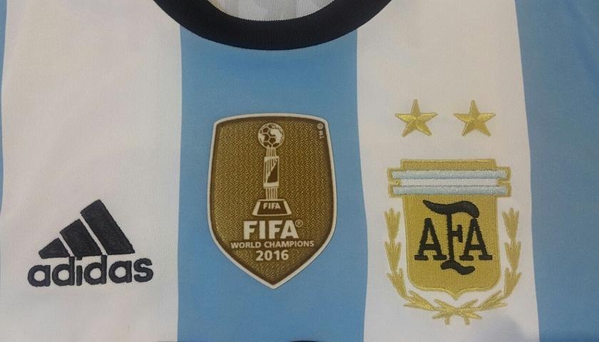 corte largo Distracción dedo  La Selección Argentina de Futsal luce su parche de campeón del mundo |  Marketing Registrado / La Comunidad del Marketing Deportivo